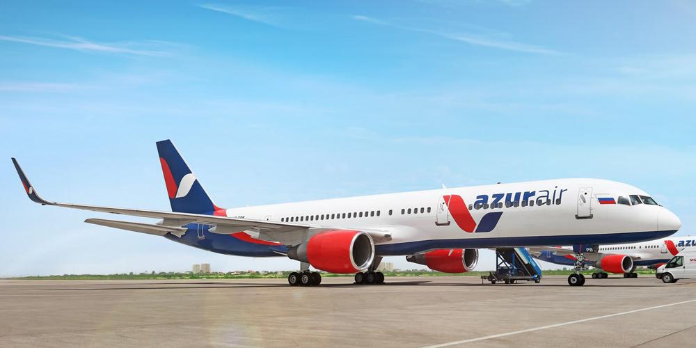 В Екатеринбурге самолет авиакомпании Azur Air выкатился за пределы полосы