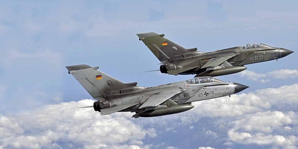 Германские истребители сопровождали индийский авиалайнер